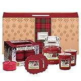 Yankee Candle Duft-Geschenkset, mit 1 kleinen Duftkerze im Glas, 2 Votivkerzen, 12 Teelichten und 2 Wax Melts, Christmas Magic, in festlicher Geschenkbox